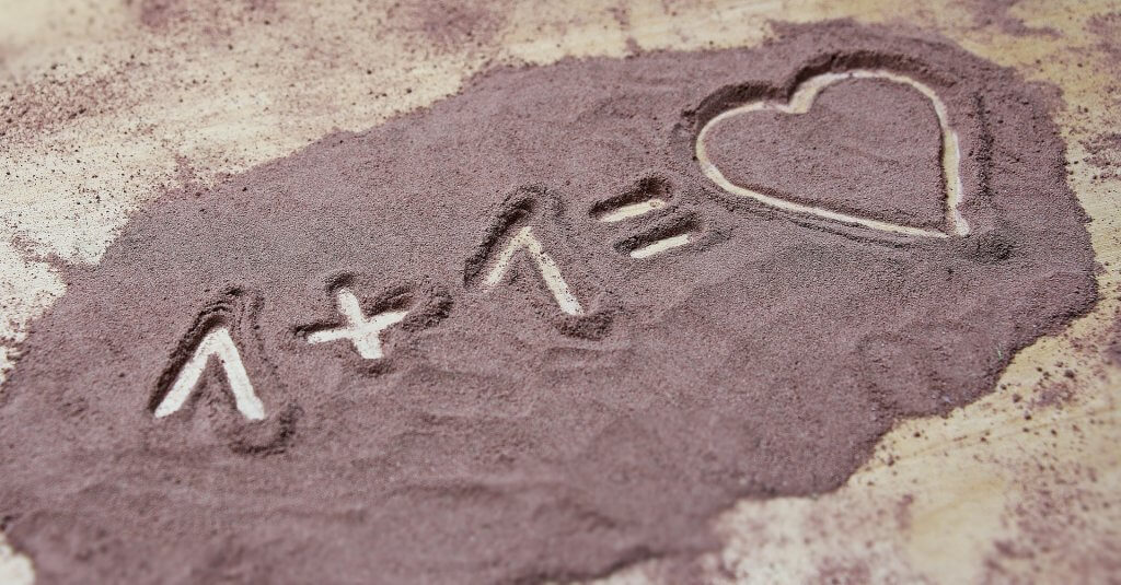 Love art sand heart