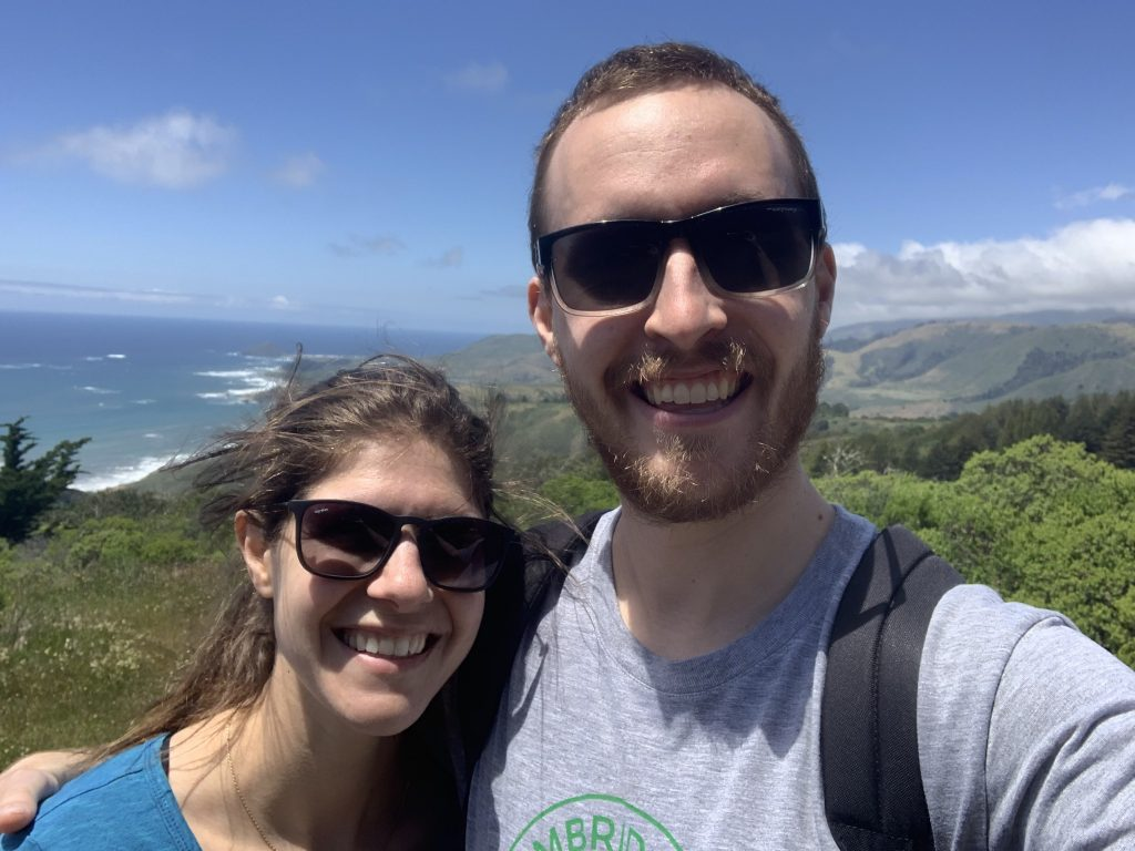 hiking couple outdoores