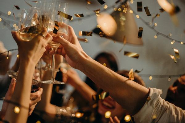 cheers celebrate champaigne