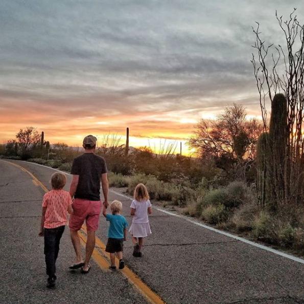 dad kids sunset