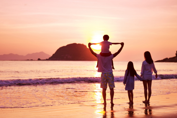 family travel beach